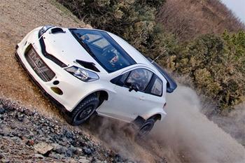 Yaris WRC TEST04.jpg
